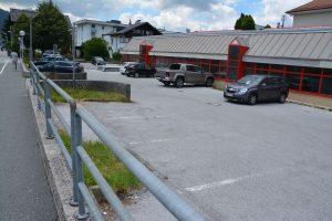 Parkplatz beim Pflichtschulzentrum. Foto: Veronika Spielbichler