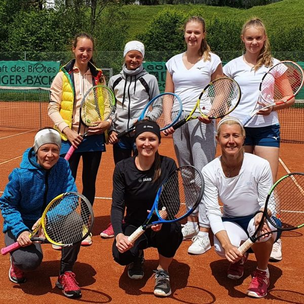 Die 2. Damenmannschaft des TCW, hinten v.l.: Maya Amort, Miriam Puchleitner, Sarah Salzburger, Andjela Lapatanovic; vorne v.l.: Monika Gleirscher, Christina Jukic und Petra Gratt. Foto: TC Wörgl