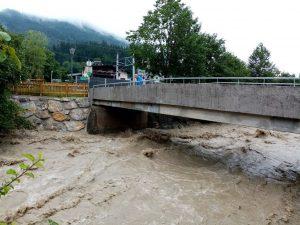 Die sanierte Zehenthofbrücke in Bruckhäusl hielt dem Hochwasser gut stand. Foto: Spielbichler