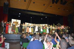 """Uraufführung """"Allerhand Kreuzköpf"""" bei den Tiroler Volksschauspielen in Telfs unter Mitwirkung der Gaststubenbühne Wörgl am 31. Juli 2021. Foto: Veronika Spielbichler"""