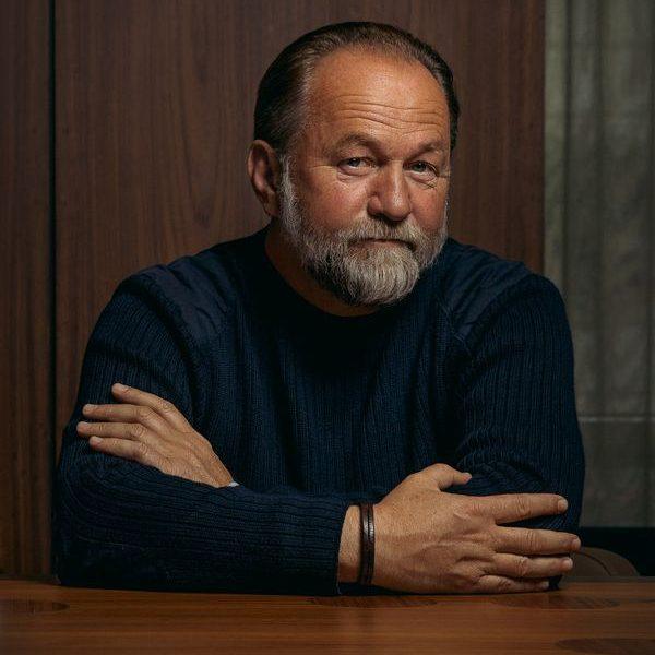 Der erfolgreiche Autor Ulli Brée stellt am 21. Oktober 2021 in Wörgl seinen ersten Roman vor. Foto: Jan Frankl