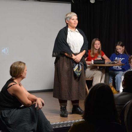 Ensemble Freispiel - Weibsbüda - Theater in der Zone kultur.leben.wörgl im Oktober 2021. Foto: Veronika Spielbichler